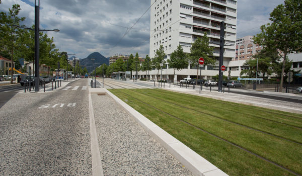 Infrastructures de transport collectif de surface en site propre « TCSP », plateformes de tramways