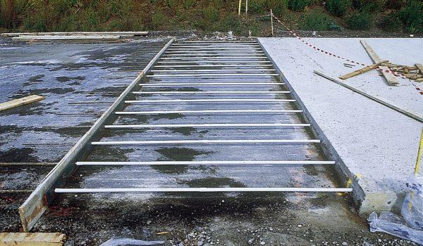 Chaussées composites (BAC ou dalles goujonnées sur GB)